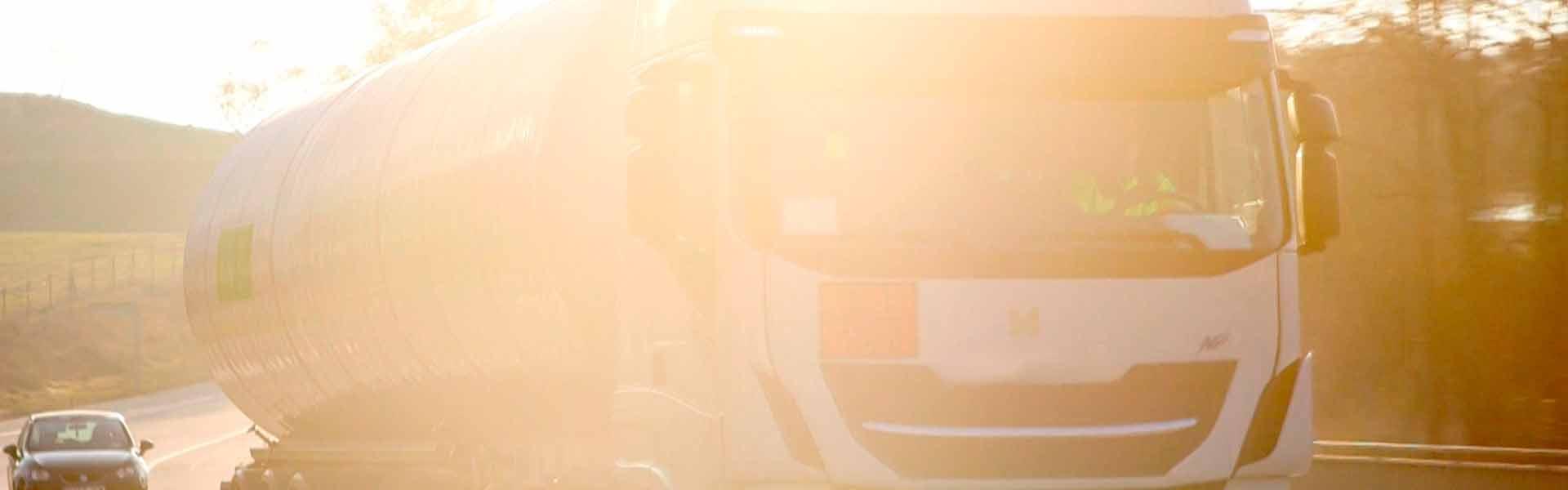 LNG France propose à ses clients une multitude de services et de produits liés au gaz naturel liquéfié (GNL) et au gaz naturel véhiculé (GNV)